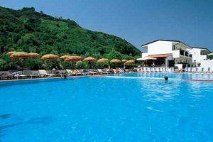 Lucia piscina 3