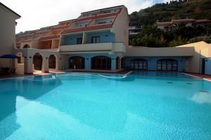 Tropis piscina